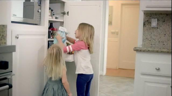 Swiffer WetJet TV Spot, 'For Cleaning Up Your Little Bakers' Messes' - Thumbnail 2