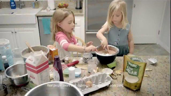 Swiffer WetJet TV Spot, 'For Cleaning Up Your Little Bakers' Messes' - Thumbnail 3