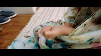 JCPenney Días de Venta Penney TV Spot, 'Estera de baño' [Spanish] - Thumbnail 4