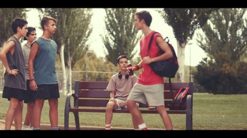 Coca-Cola TV Spot, 'Brotherly Love' Song by Avicii - Thumbnail 7