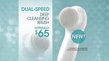 Proactiv TV Spot, 'Facial Brush' Feat. Sarah Michelle Gellar, Lily Aldridge - Thumbnail 3