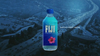 FIJI Water Super Bowl 2017 TV Spot, 'Nature's Gift' - Thumbnail 10