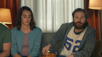 Amazon Echo Super Bowl 2017 TV Spot, 'Alexa Moments: Finger Lick' - Thumbnail 5