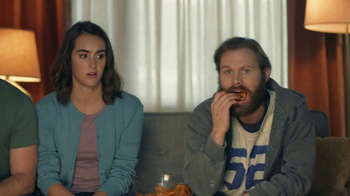 Amazon Echo Super Bowl 2017 TV Spot, 'Alexa Moments: Finger Lick' - Thumbnail 8