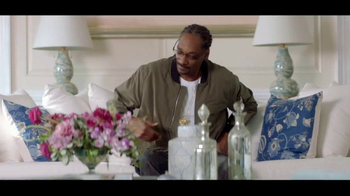 T-Mobile Super Bowl 2017 TV Spot, '#BagofUnlimited With Martha Stewart' - Thumbnail 4