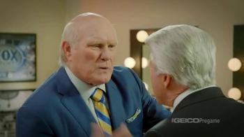 GEICO TV Spot, 'Pregame Pump Up' Featuring Terry Bradshaw, Jimmy Johnson - Thumbnail 6