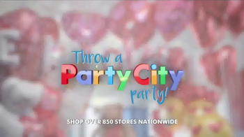 "Party City TV Spot, 'Valentine's Day: Don't Just Say, ""I Love You""' - Thumbnail 5"