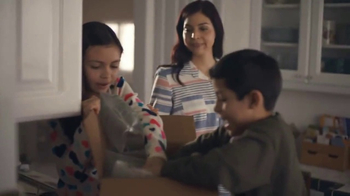 Walmart TV Spot, 'The Best Things in Life Are Free' Song by Sam Cooke - Thumbnail 8