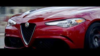 Alfa Romeo Giulia Super Bowl 2017 TV Spot, 'Mozzafiato' [T1] - Thumbnail 3