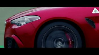 Alfa Romeo Giulia Super Bowl 2017 TV Spot, 'Mozzafiato' [T1] - Thumbnail 5