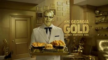 KFC Super Bowl 2017 TV Spot, 'Colonel vs. Colonel' Featuring Billy Zane - Thumbnail 10
