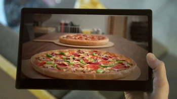 Pizza Hut TV Spot, 'FOX Sports: Party Time' Featuring Jimmy Johnson - Thumbnail 5