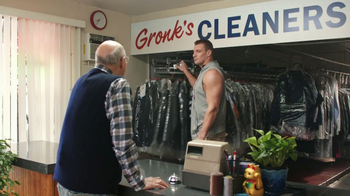 Tide Super Bowl 2017 Teaser, 'Gronk Works the Rack' Feat. Jeffrey Tambor