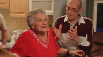 Hallmark Signature TV Spot, 'No Ordinary Love Stories' - Thumbnail 2