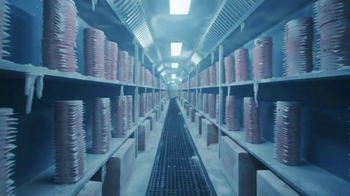 Wendy's Super Bowl 2017 TV Spot, 'Cold Storage' Song by Foreigner - Thumbnail 4