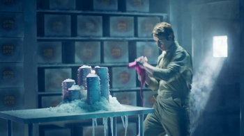 Wendy's Super Bowl 2017 TV Spot, 'Cold Storage' Song by Foreigner - Thumbnail 7