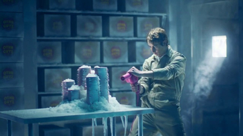 Wendy's Super Bowl 2017 TV Spot, 'Cold Storage' Song by Foreigner - Thumbnail 8