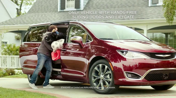 2017 Chrysler Pacifica TV Spot, 'This Guy or That Guy: Forfeit: Innovative' [T1] - Thumbnail 4