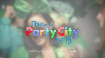 Party City TV Spot, 'St. Patrick's Day Party' - Thumbnail 4