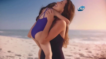 Dial Coconut Milk Body Wash TV Spot, 'Acércate' [Spanish] - Thumbnail 3