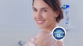Dial Coconut Milk Body Wash TV Spot, 'Acércate' [Spanish] - Thumbnail 6