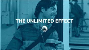 AT&T Unlimited Data TV Spot, 'Bike Messenger' - Thumbnail 6