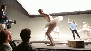 AT&T Taylor Swift NOW TV Spot, 'Busting a Move' - Thumbnail 6