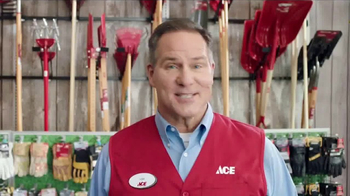 ACE Hardware Scotts Days TV Spot, 'Lawn and Garden' - Thumbnail 5