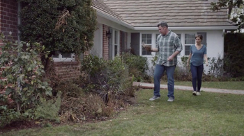 Lowe's Refresh Your Outdoors Event TV Spot, 'The Moment: Premium Mulch' - Thumbnail 1