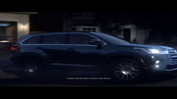 2017 Toyota Highlander TV Spot, 'Discovery Machine' - Thumbnail 2