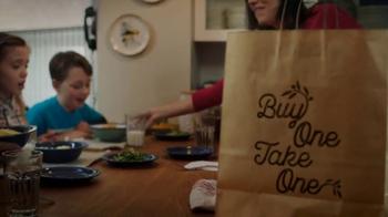 Olive Garden Compra Uno, Lleva Otro TV Spot, 'Tiempo en familia' [Spanish] - Thumbnail 6