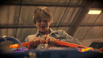 Hot Wheels TV Spot, 'Nickelodeon: Mace Coronel Builds the Epic Stunt' - Thumbnail 3