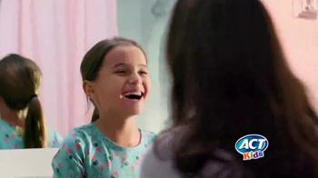 ACT Kids Toothpaste TV Spot, 'Una cosa más fácil' [Spanish] - Thumbnail 4