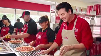 Papa John's 2 Topping Pizzas TV Spot, 'Un toque familiar' [Spanish] - Thumbnail 3