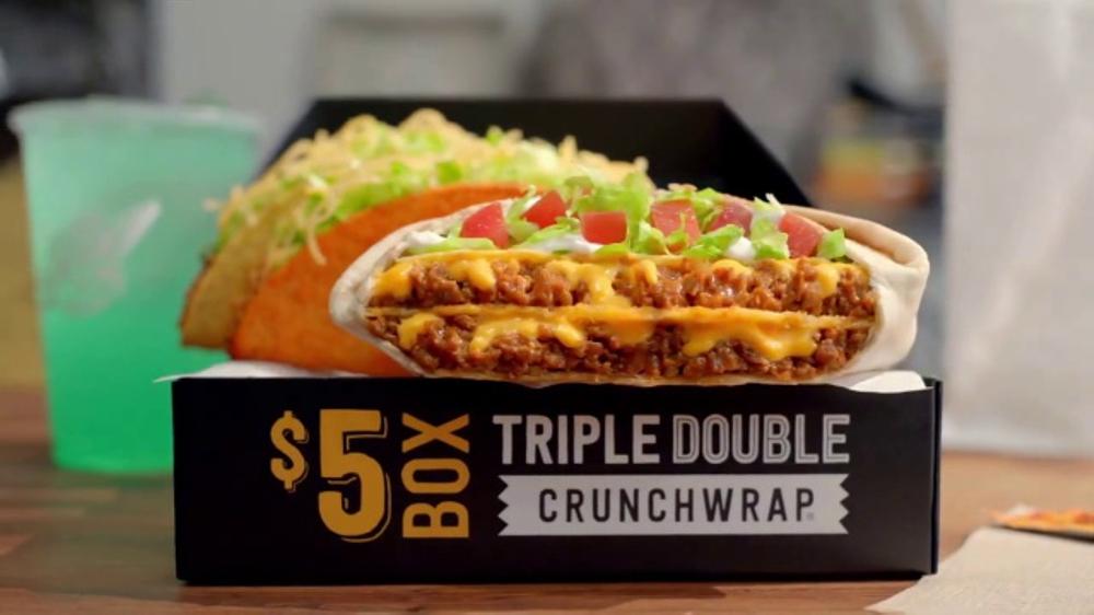 Taco Bell Triple Double Crunchwrap Box TV Commercial, 'Est?? de vuelta'