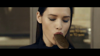 Magnum Double Cookies and Cream TV Spot, 'Libera tu lado salvaje' [Spanish] - Thumbnail 3