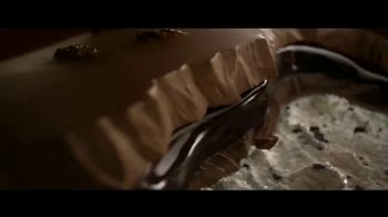Magnum Double Cookies and Cream TV Spot, 'Unleash Your Wild Side' - Thumbnail 9