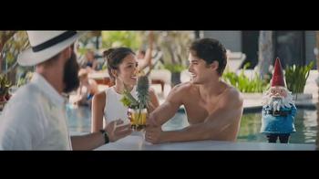 Travelocity TV Spot, 'Resort Bar' - Thumbnail 5