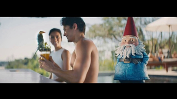 Travelocity TV Spot, \'Resort Bar\'