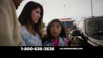 Los Defensores TV Spot, 'Ayuda poderosa' [Spanish] - Thumbnail 9