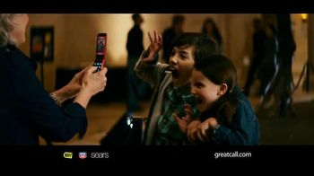 GreatCall Jitterbug Flip TV Spot, 'Dinosaur Museum'