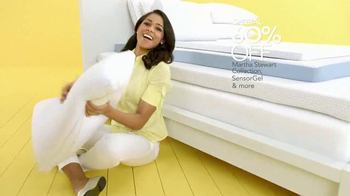 Macy's Spring Home Sale TV Spot, 'April: Bedding and Appliances' - Thumbnail 4