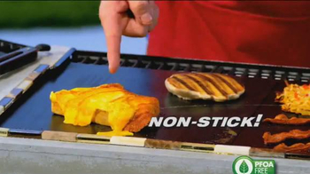 Miracle Grill Mat TV Spot, 'Eliminate Cleanup' Featuring Marc Gill - Thumbnail 4