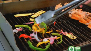 Miracle Grill Mat TV Spot, 'Eliminate Cleanup' Featuring Marc Gill - Thumbnail 5