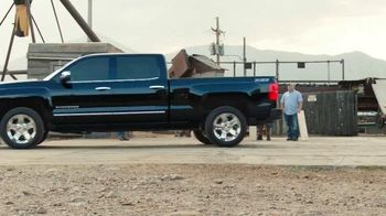 2016 Chevrolet Silverado 1500 TV Spot, 'Circular Saw' - Thumbnail 7