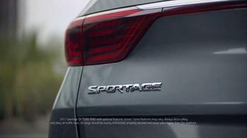 2017 Kia Sportage TV Spot, 'Urban Pioneer' - Thumbnail 2