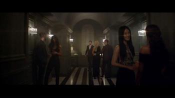 Giorgio Armani Code Profumo TV Spot, 'La fiesta' con Chris Pine [Spanish] - Thumbnail 3