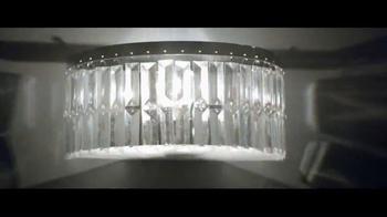 Giorgio Armani Code Profumo TV Spot, 'La fiesta' con Chris Pine [Spanish] - Thumbnail 4