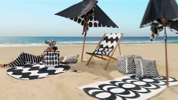 Target TV Spot, 'Surf's Up, TargetStyle' Song by DJ Cassidy - Thumbnail 5