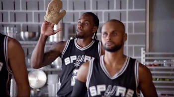 H-E-B TV Spot, 'Cooking Class' Featuring Tony Parker, LaMarcus Aldridge - Thumbnail 6